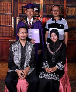 Dr Hariz Master Convocation Family