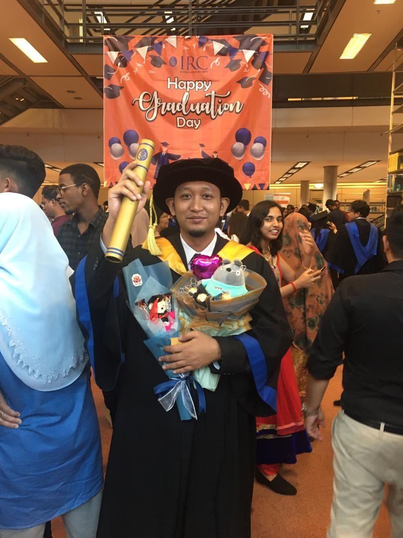 Dr. Muhamad Hariz Adnan